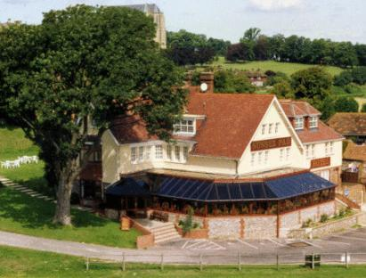 Sussex Pad Hotel Lancing - Exterior