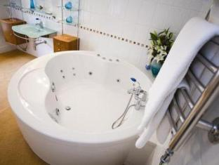 Hey Green Country House Hotel Marsden - Bathroom
