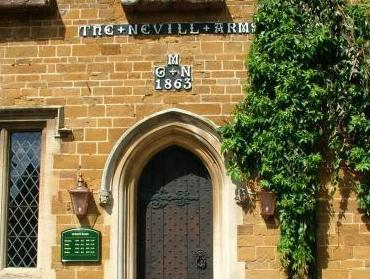 Nevill Arms Inn Medbourne - Entrance