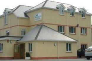 The Woodridge Inn Hotel