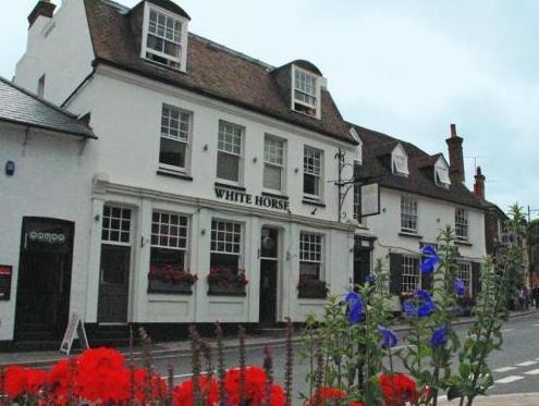 White Horse Hotel Storrington - Exterior