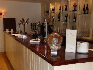 White Horse Hotel Storrington - Bar Area
