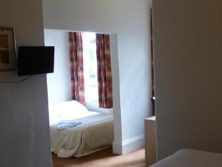 White Horse Hotel Storrington - Bedroom