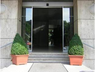 Hotel Attache Frankfurt am Main - Entrance