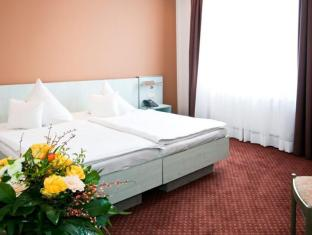 Hotel Attache Frankfurt am Main - Guest Room