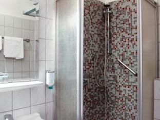 Hotel Topas Frankfurt am Main - Bathroom