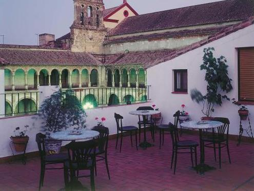 Hostal la Fuente - Hotels and Accommodation in Argentina, South America