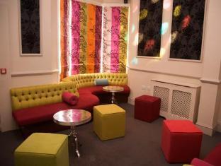 Royal York Hotel Brighton and Hove - Karaoke Room