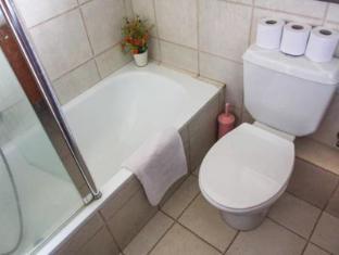 Dizengoff Beach Apartments Tel Aviv - Bathroom