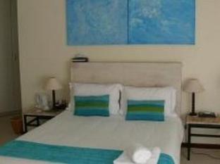 Palmieros Bed and Breakfast East London - Honeymoon Suite (Seashells)