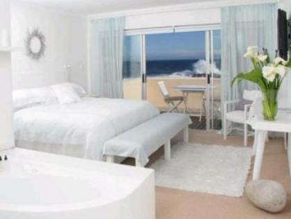 Whale View Guest House Германус - Вітальня