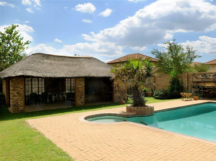 Peters Guesthouse - Hotels and Accommodation in South Africa, Africa