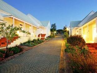 Auberge Rozendal Stellenbosch - Exterior View