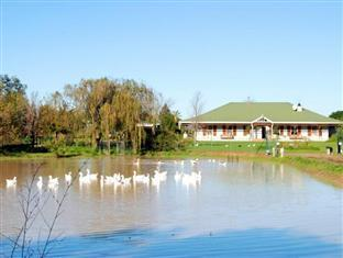 Hoopenburg Guesthouse and Venue