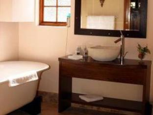 WedgeView Country House & Spa Stellenbosch - Bathroom