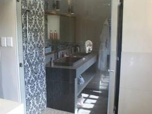 WedgeView Country House & Spa סטלנבוש - חדר אמבטיה