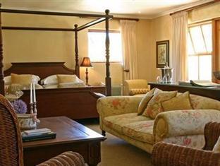 Alluvia Specialist Winery Guest House Stellenbosch - Honeymoon Suite