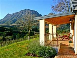 Alluvia Specialist Winery Guest House Stellenbosch - Exterior