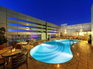 Al Manzel Hotel Apartments Abu Dhabi - Swimming Pool