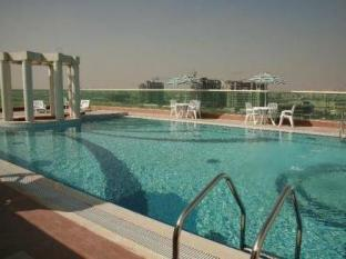 Dunes Hotel Apartments Muhaisnah Dubai - Swimming Pool