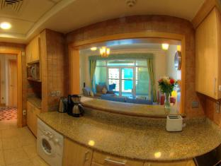 Royal Club Palm Jumeirah Managed by B&G Hotels & Resorts Dubai - Kitchen