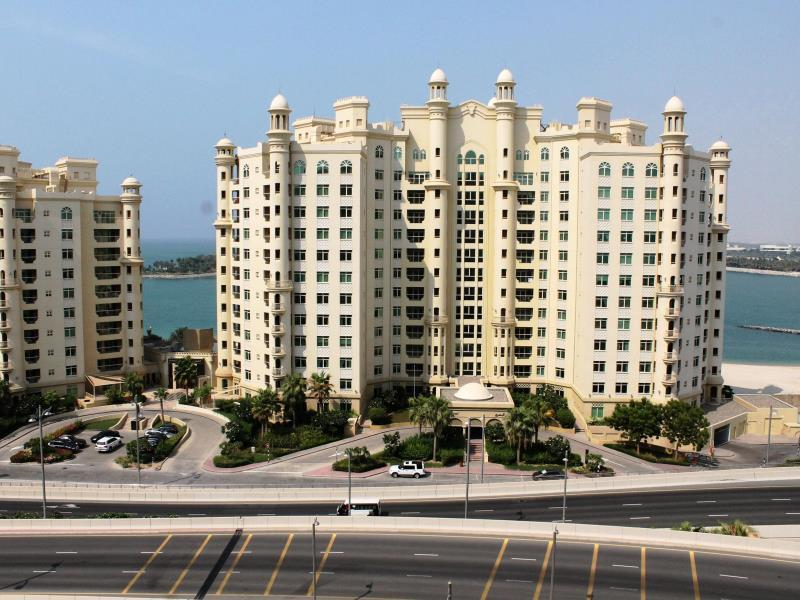 Royal Club Palm Jumeirah - Hotels and Accommodation in United Arab Emirates, Middle East