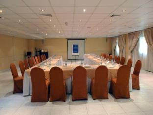 All Seasons Hotel Apartments Dubai - Meeting Room