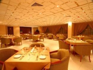 All Seasons Hotel Apartments Dubai - Restaurant