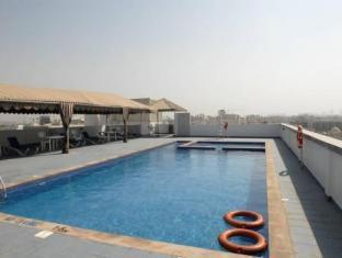 All Seasons Hotel Apartments Dubai - Swimming Pool