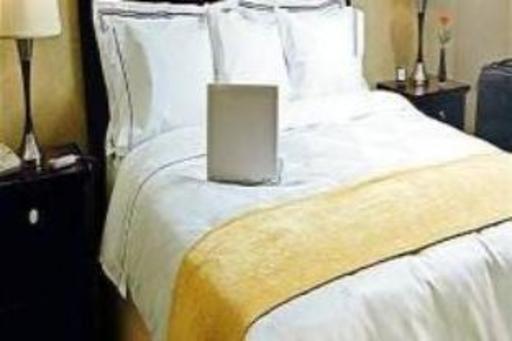 ➦  Carlson Rezidor Hotel Group    (Arizona) customer rating