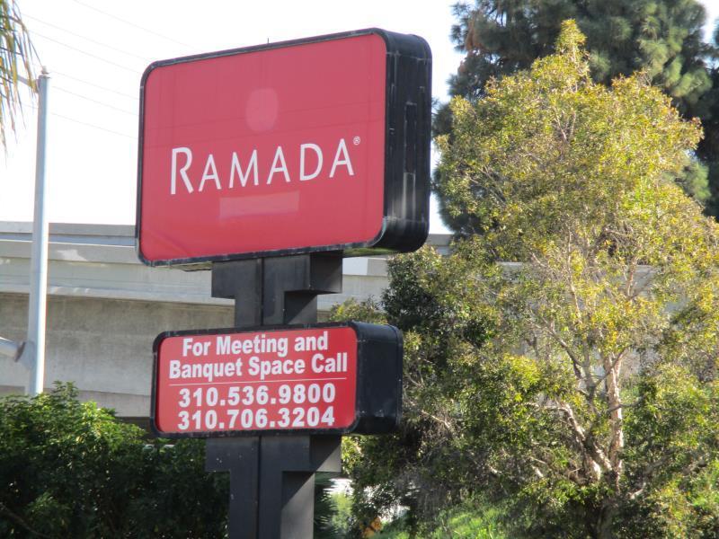 Ramada Plaza Hotel LAX - El Segundo