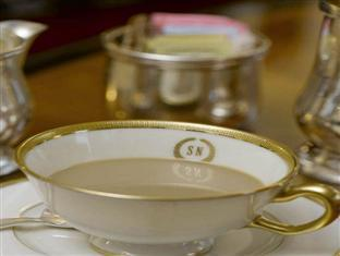 The Sherry Netherland Hotel New York (NY) - Complimentary coffee and tea