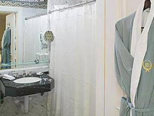 The Sherry Netherland Hotel New York (NY) - Bathroom