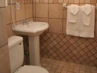 Imperial Court Hotel New York (NY) - Bathroom