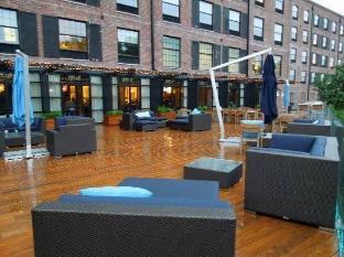 NYLO Hotel Warwick (RI) - Surroundings