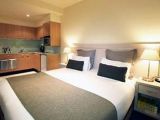 Oaks on Lonsdale Hotel - Room type photo