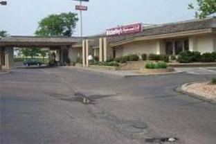 Days Inn Maplewood And Conference Center Hotel