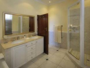 St James Manor Cape Town - Bathroom