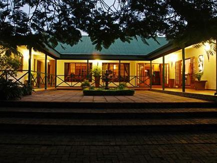 Tzaneen Country Lodge Tzaneen - Pool and Garden Area