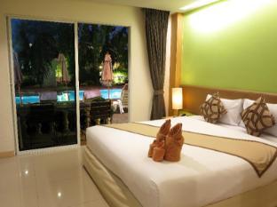 Windmill Resort Hotel Pattaya - Deluxe Pool Side