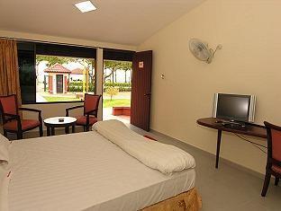 Goldkist Beach Resort Singapore - Premier Deluxe Beach View
