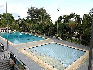 Goldkist Beach Resort Singapore - Swimming Pool