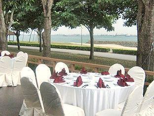 Goldkist Beach Resort Singapore - Desires Cafe Banquet Arrangement