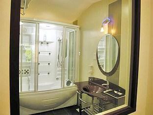 Goldkist Beach Resort Singapore - Suite Room - Bathroom