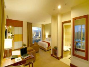 Swiss-Belhotel Maleosan Manado Manado - Guest Room