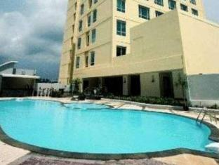 Swiss-Belhotel Maleosan Manado Manado - Swimming Pool