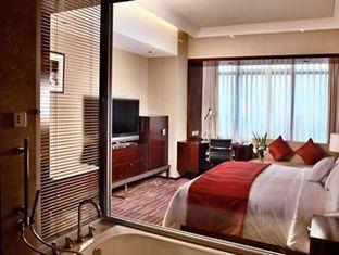 Renaissance Shanghai Zhongshan Park Hotel - Room type photo