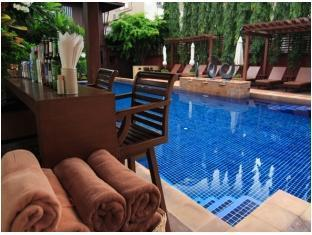 Rose Hotel Bangkok - Swimming pool