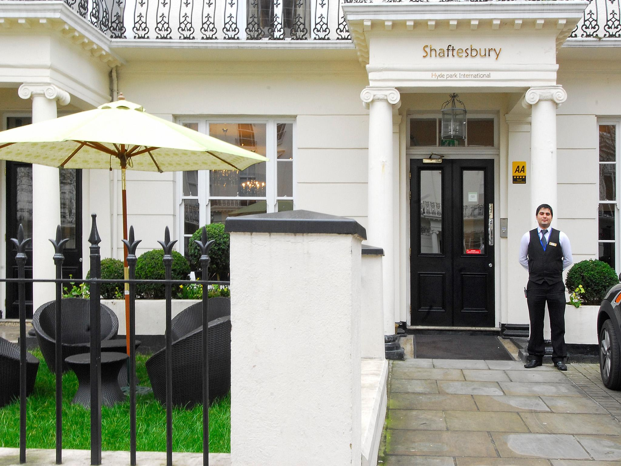 Shaftesbury Hyde Park International Hotel
