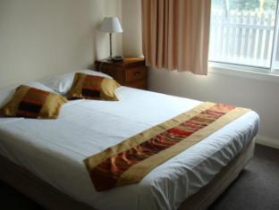 Hobart Apartments Hobart - 1 Bedroom Apartment- Master Bedroom